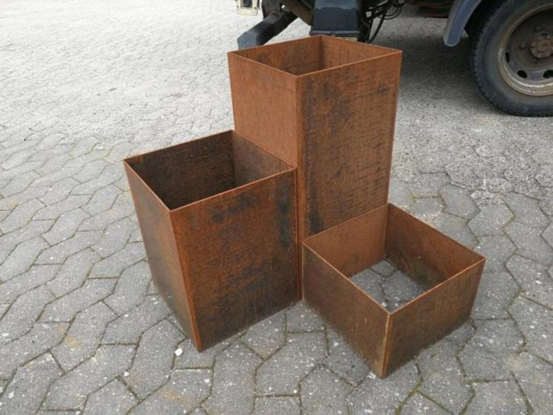 Plantekasse i cortenstål, flisestørrelse, 300 x 300 x 200 mm